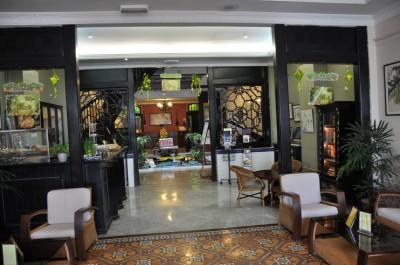 L'entrée du Puri hotel