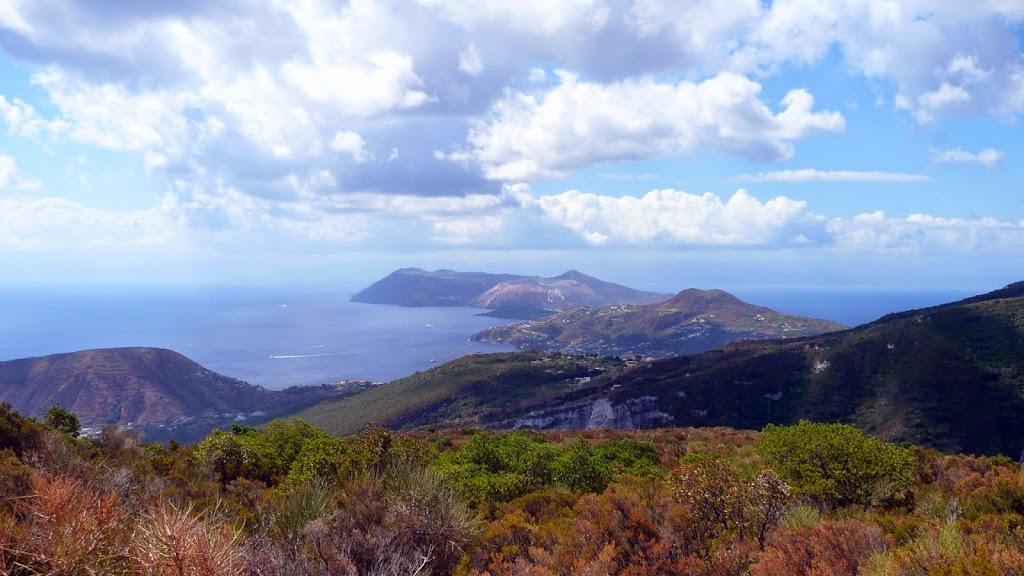Sommet du Mont Pelato, vue sur Vulcano, Lipari et Salina